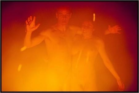 Lola - danse autour du feu