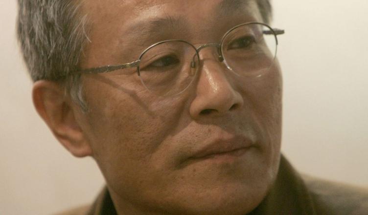 Hwang Sok-Yong photo