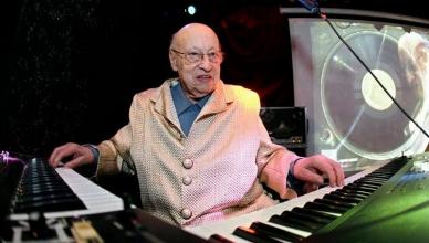 Jean-Jacques Perrey lors d'un concert à Genève 2008 © Salvatore Di Nolfi