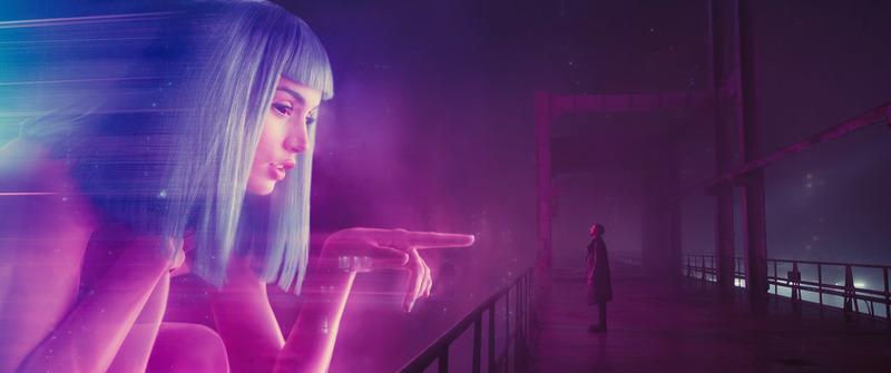 Blade Runner 2049 : Photo de Ryan Gosling et Ana de Armas