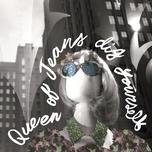 QUEEN OF JEANS – Dig Yourself