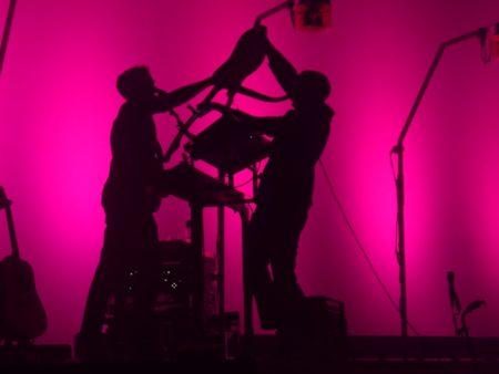 Two Door Cinema Club en concert à l'Olympia