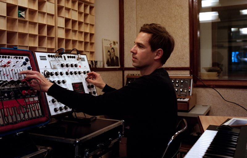 Alexandre Bazin en studio